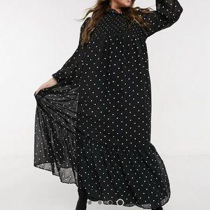 Shirred bodice maxi dress in spot print